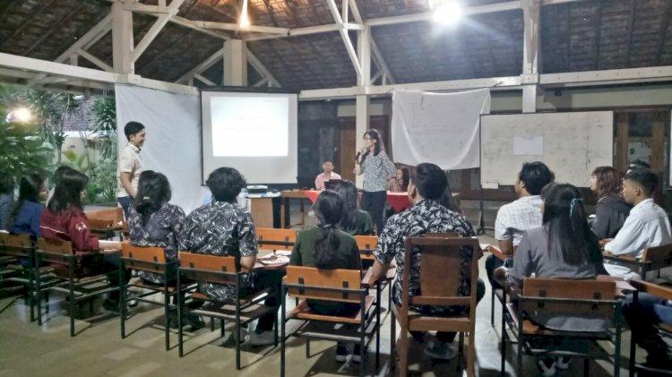 Salah satu peserta LKM menjelaskan mengenai action plan yang akan diwujudkan di dalam masyarakat